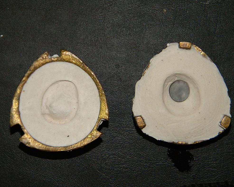 Dewaxed-mold