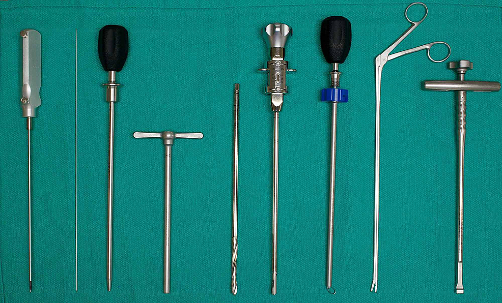 Surgical-instruments-used-in-the-lab.